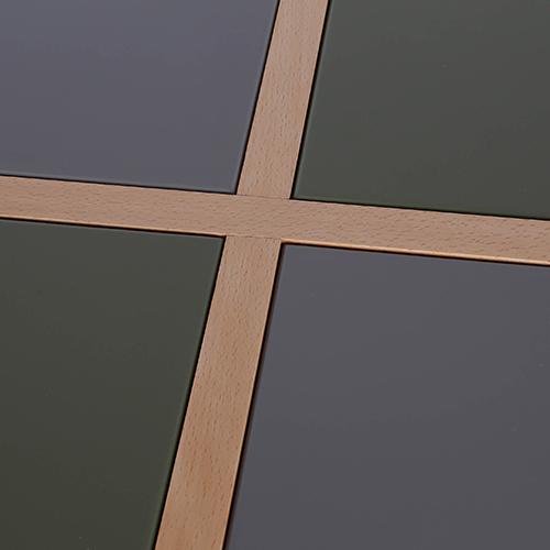 سطح أخضر طاولة داخلية وخارجية