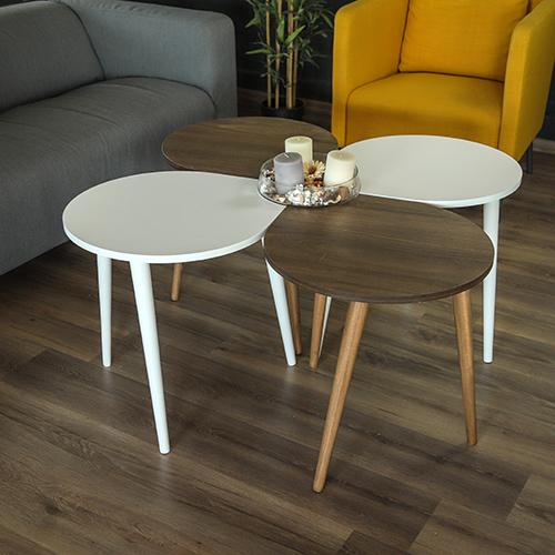 طاولات قهوة خشبي مع تحفة فنية
