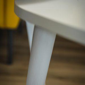 زاوية طاولة قهوة خشبية لون أبيض
