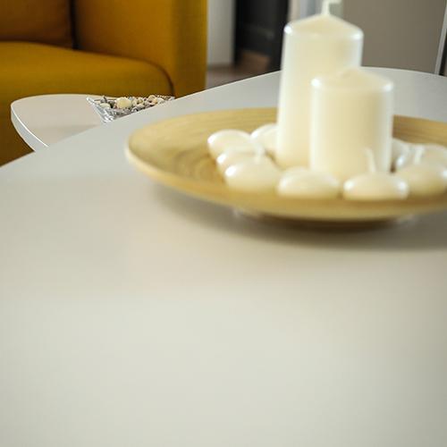سطح طاولة قهوة خشبية لون أبيض