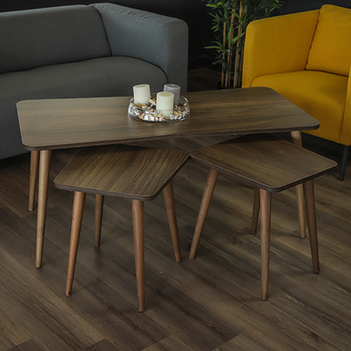 طاولة قهوة خشب زان لون بني