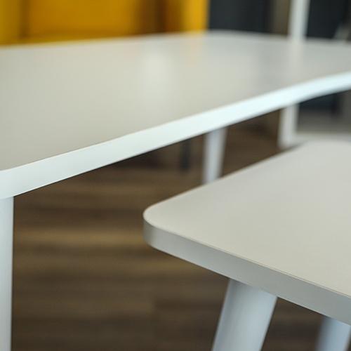 خشب طاولة قهوة لون أبيض
