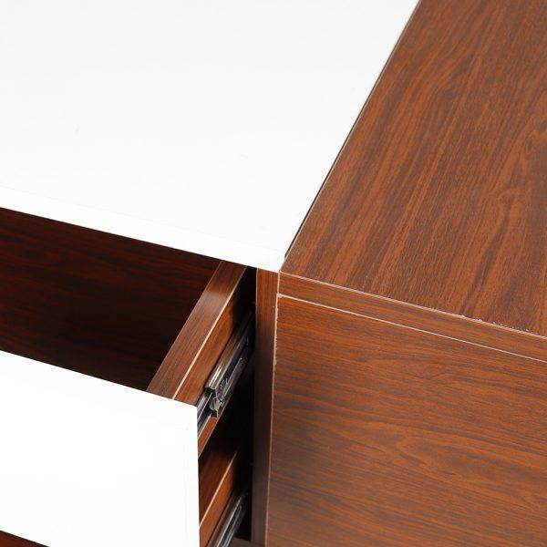صورة عن قرب لطاولة قهوة موديل فورتي صناعة خشبية لون بني وأبيض بأرجل حديدية