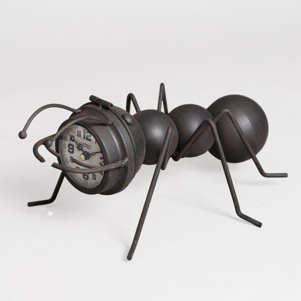 ساعة طاولة أنتيكة موديل إينت شكل النملة صناعة معدنية