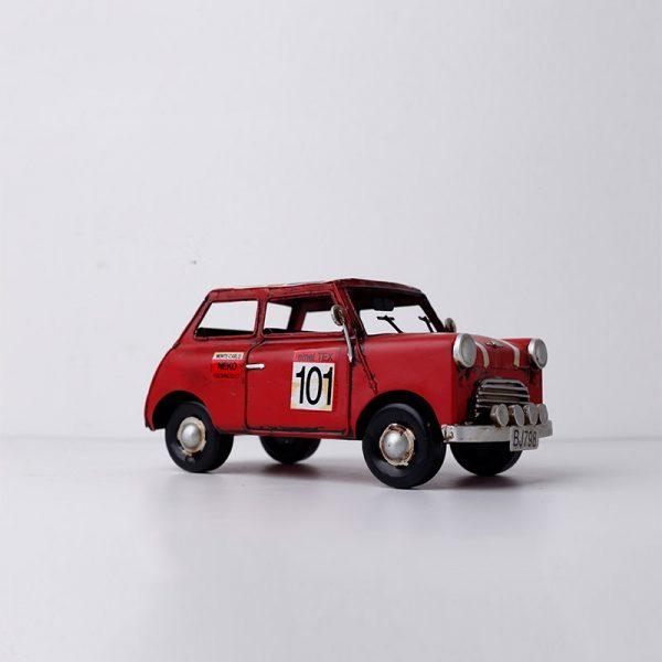 تحفة أنتيكة السيارة الحمراء طراز قديم