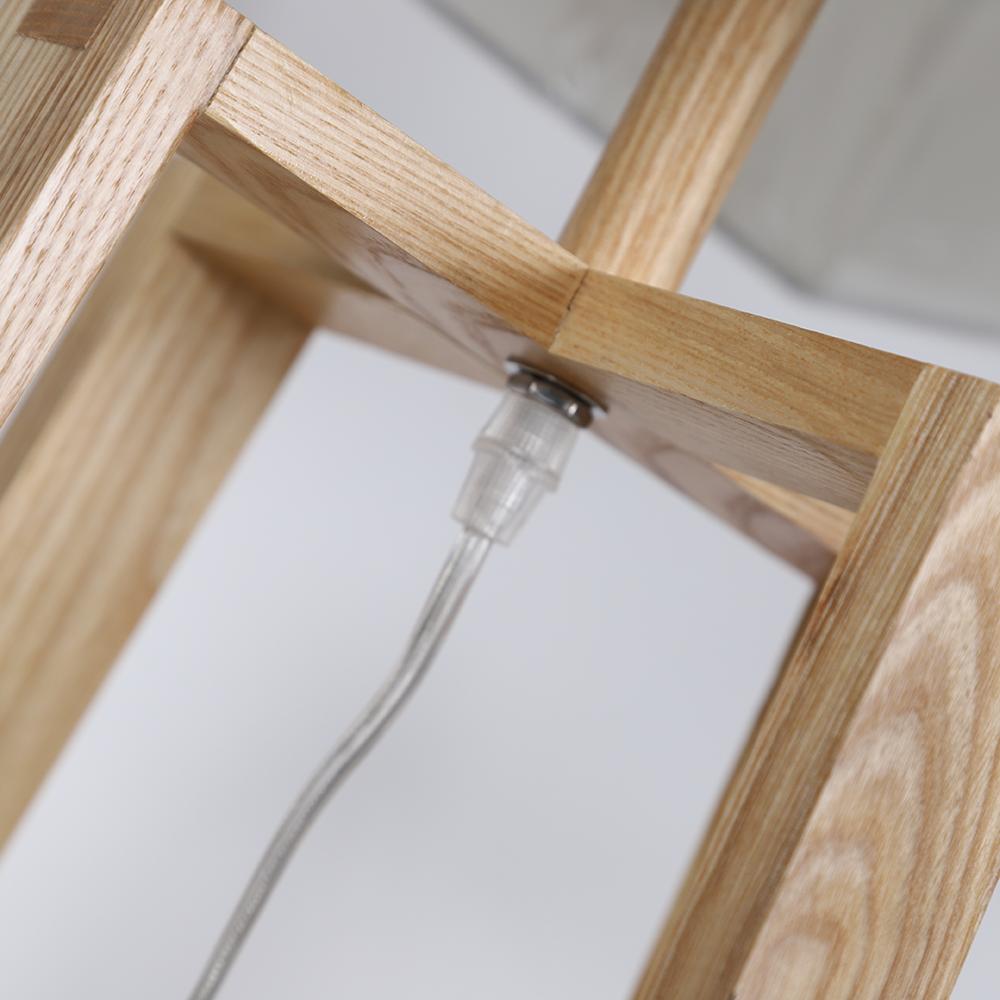 أباجورة طاولة موديل إيرث فور قاعدة خشبية وغطاء من قماش الكتان